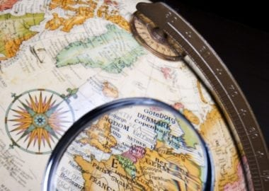 591650 - globe and magnifying glass